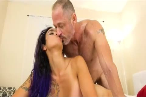 IN tranny hookers WE TRUST  ( 73 )