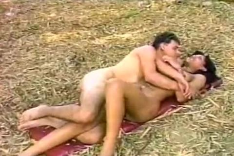 slim Ladyboy receives Nailed By A Manly chap outdoors
