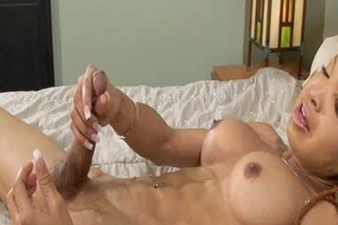 Vanilla Squeezes Out sperm From Her plump Monster cock